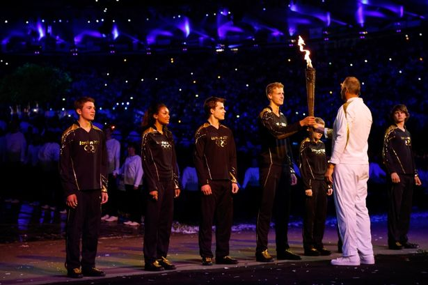 Sir Steve Redgrave passes on the torch