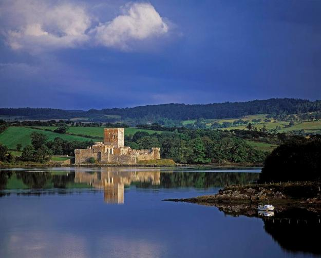 1-doe-castle-near-creeslough-in-county-the-irish-image-collection-
