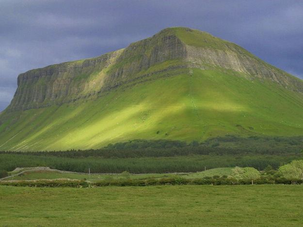 Ben Bulben, site of the battle of Cul Dreimhne. Picture via Wikimedia Commons.