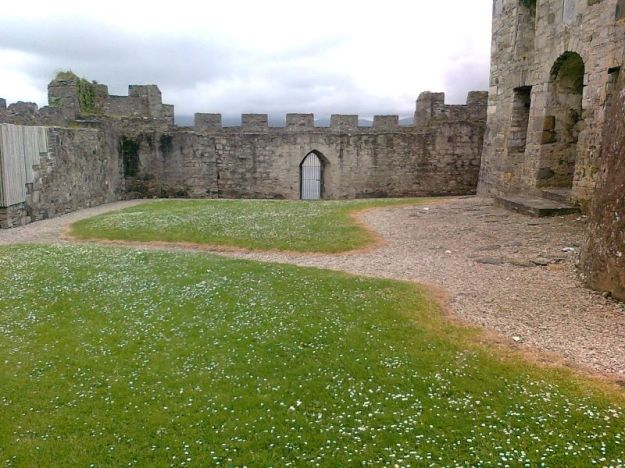 Doe-Castle-The-Bawn