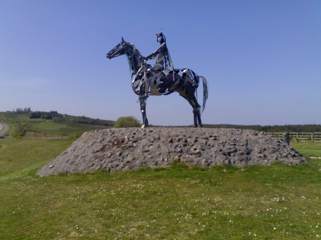 The Gaelic Chieftain, a statue commemorating Hugh Rua's victory at Curlew Pass during the war. Picture by Gavigan 01 via Wikimedia Commons