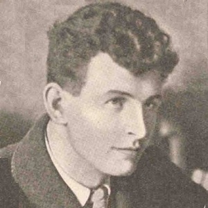The young MacGill, shortly after he became a successful writer.