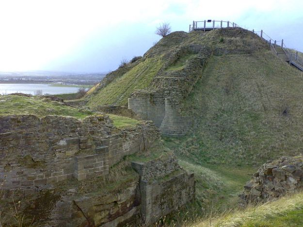 The ruins of Sandal Castle today.