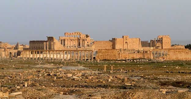 640px-Temple_of_Bel,_Palmyra_15