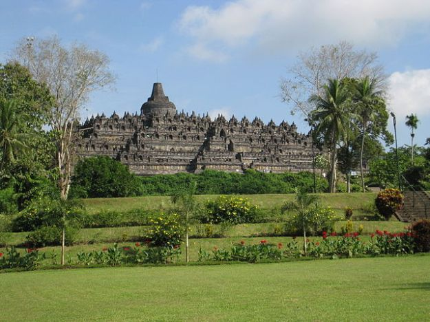 Borobudur, the single greatest remnant of the Srivijaya Empire.