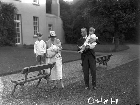 Frederick Sterling and his family on thee grounds of Ashtown Lodge. Photo from the National Library of Ireland