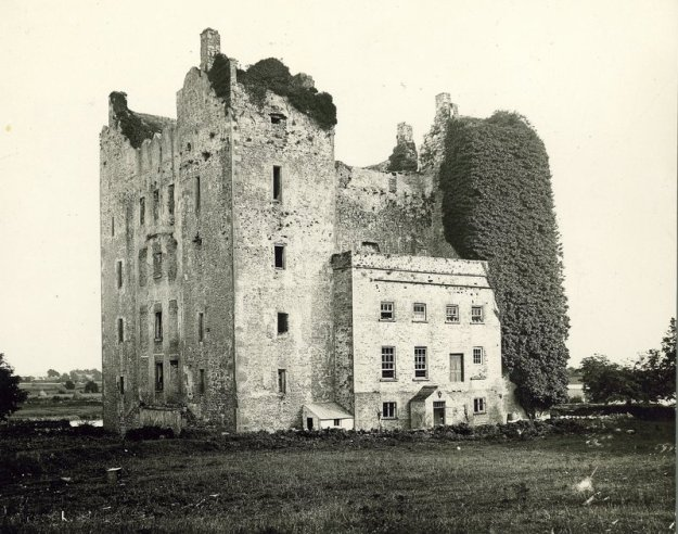 Bunratty Castle prior to its restoration in the 1960s.