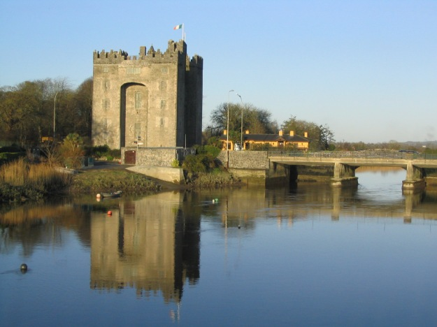 1370984508-1-Bunratty_Castle_1